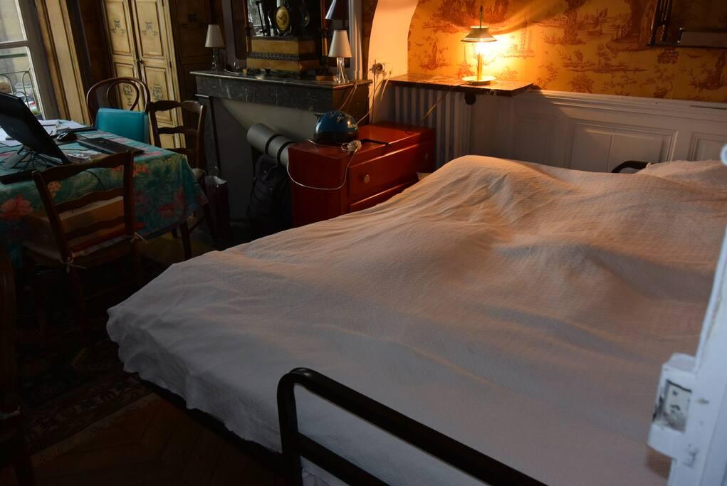 saint honor chambres d 39 h tes louer versailles le de france france. Black Bedroom Furniture Sets. Home Design Ideas