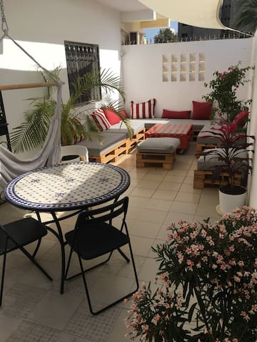 Apartment with beautiful terrace in Point E, Dakar