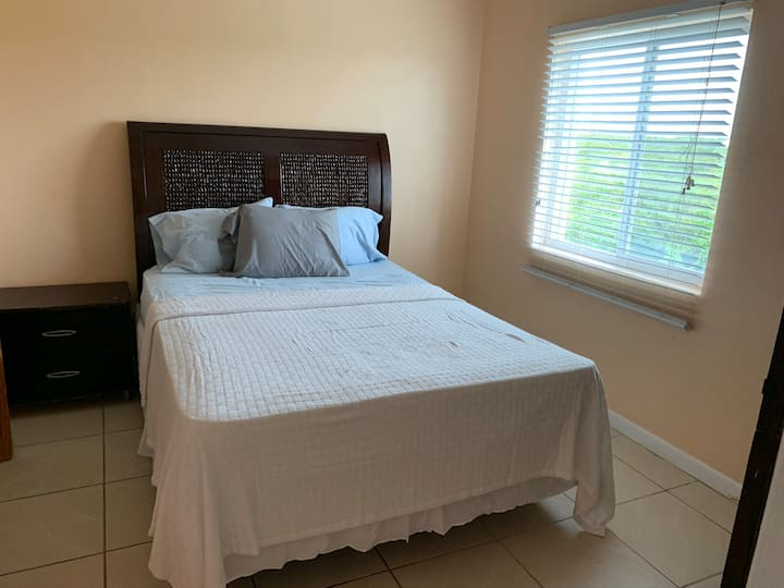 Private en-suite close to Grace Bay & Long Bay