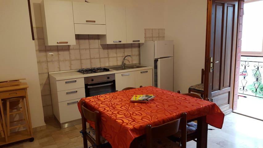 Casa Vacanze - Domusnovas - Domusnovas - Apartament