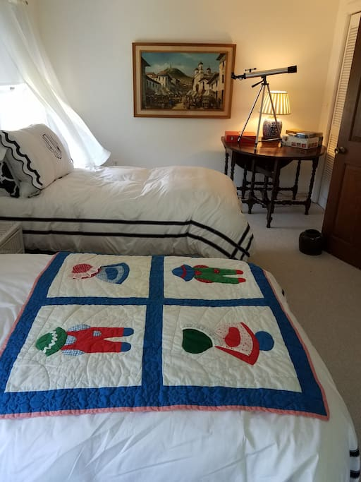 Bedroom 2 Options:  King Bed or  Kid's room with 2 single beds and 1 blow up mattress. Game Table.