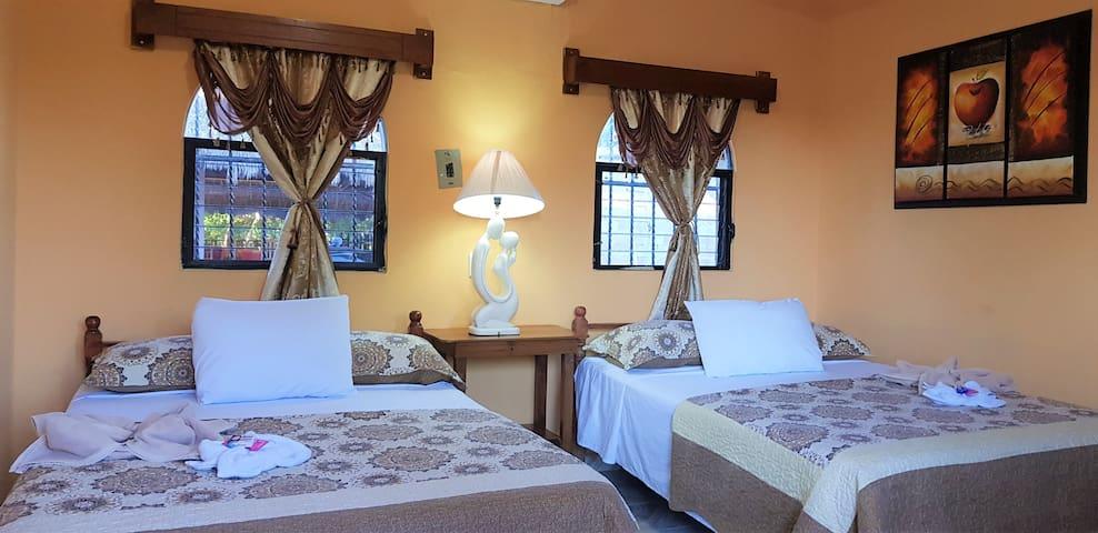 SACBE habitación privada en el centro de Cobá