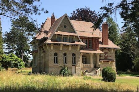 La Villa Léger