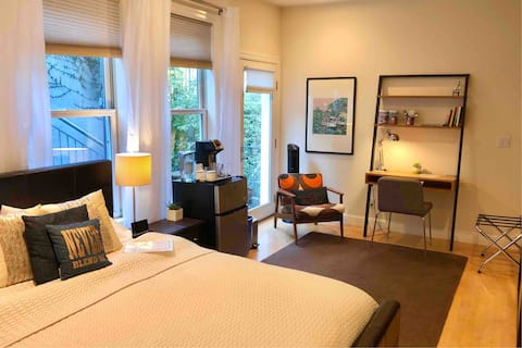 Super Clean Bedroom & Bath Suite w/ Private Entry