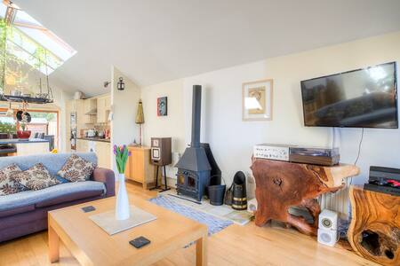 2 Bed Cottage, HOT TUB, Golf Course, Oaksey - Malmesbury  - 小平房