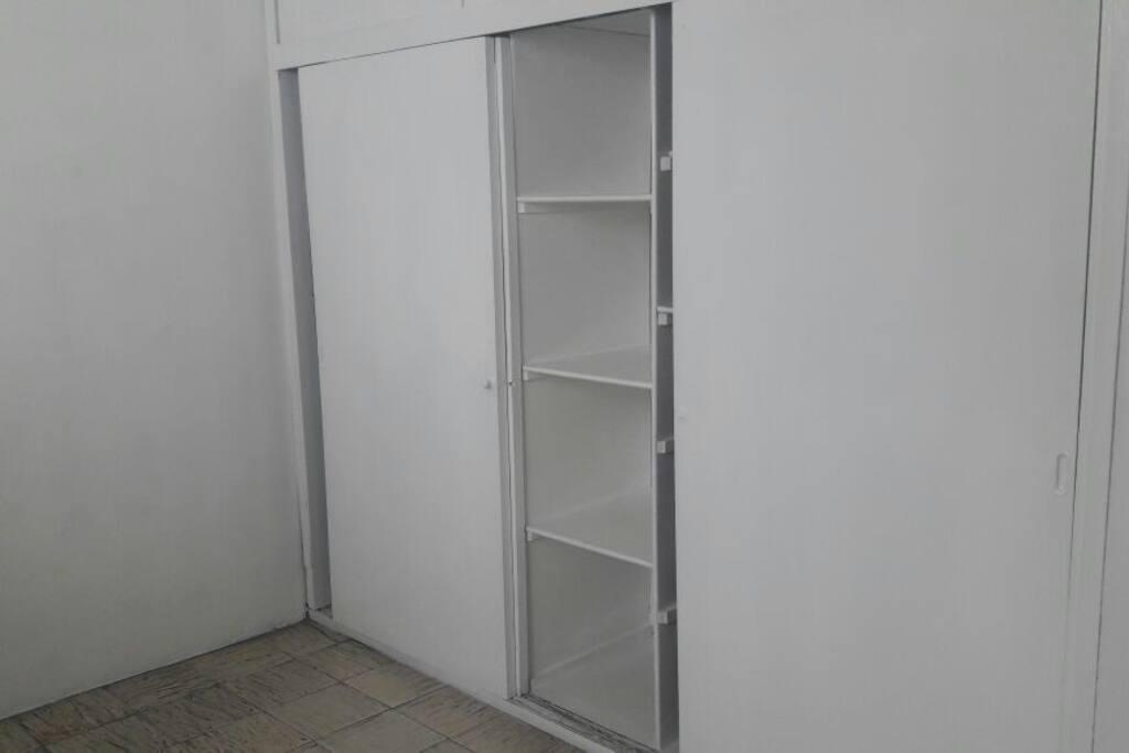 El Closet es muy amplio y cómodo