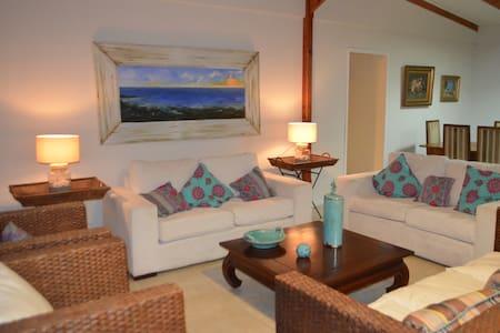 Playa Hornito 6 dormitorios 4 baños, amplia cocina