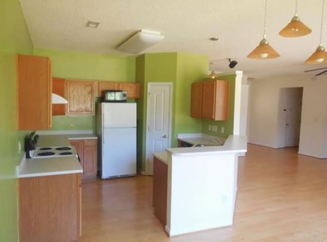 Private Rooms available in South Tryon area