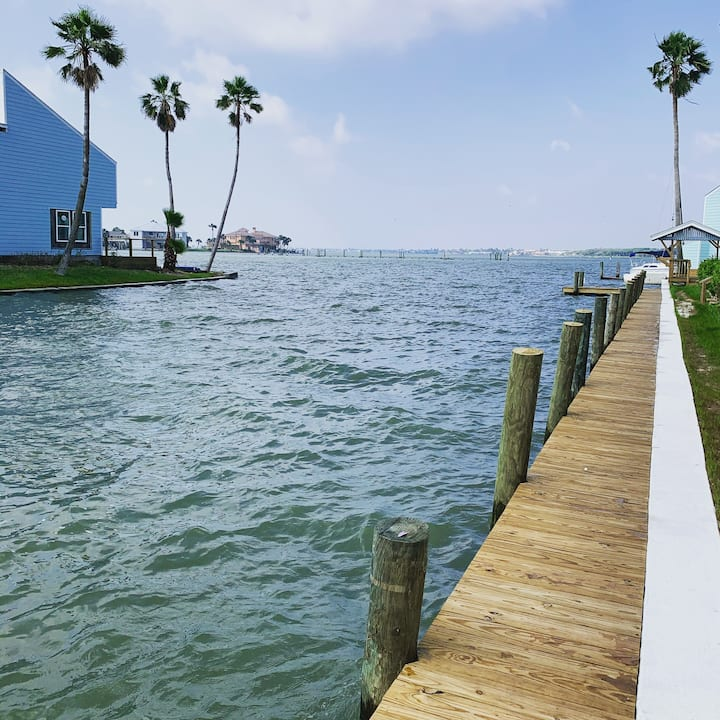 Waterfront townhouse in Key Allegro