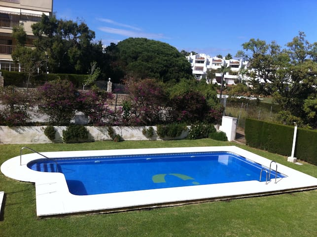 Bajo con jardín privado a 400 metros de la playa