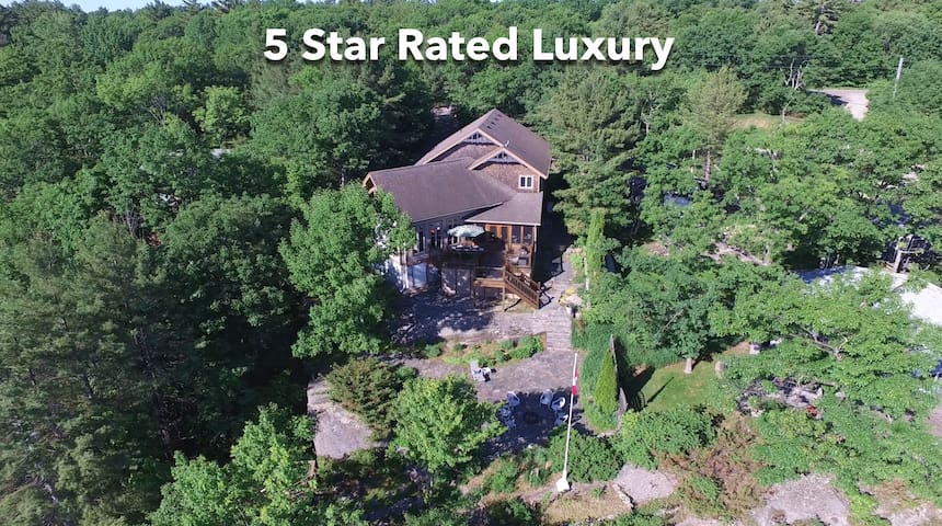 Luxury Living on Lake Muskoka