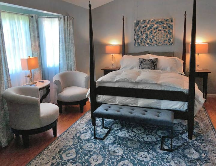 The Bluebird Suite at Harpers Ferry Guest House