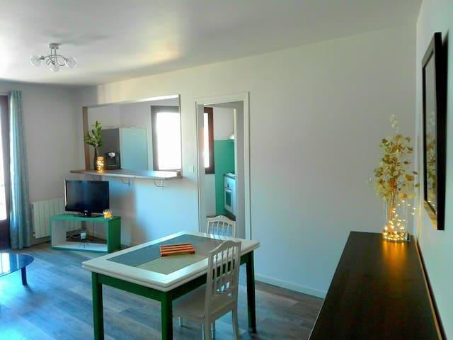 Appartement neuf, confortable et charmant.