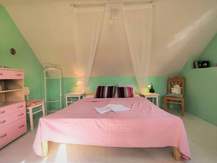 Romantic Triple Room - Lovely Cottage