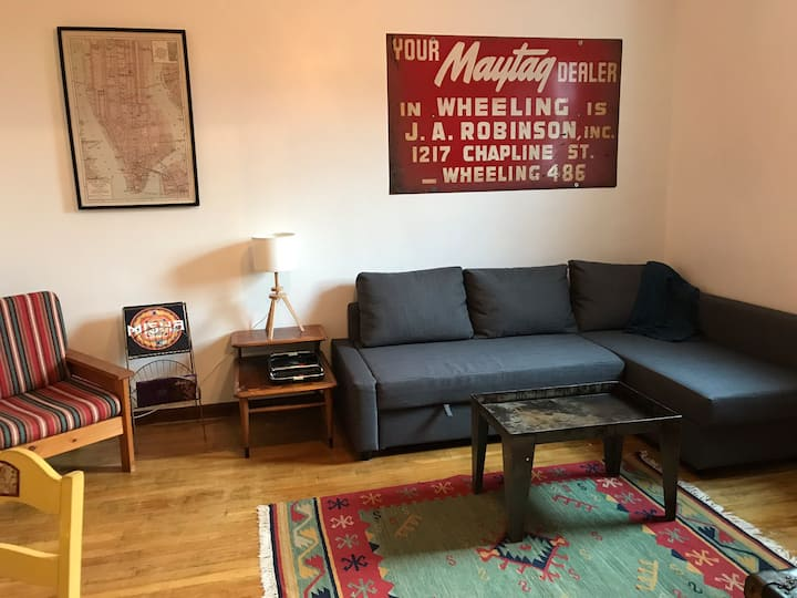 Vintage style apartment minutes from downtown
