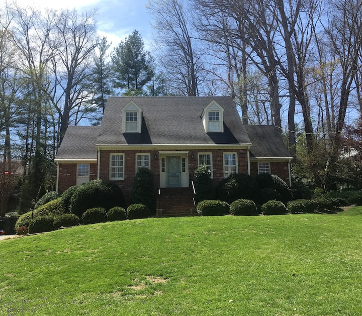 Spacious suite in Boonsboro