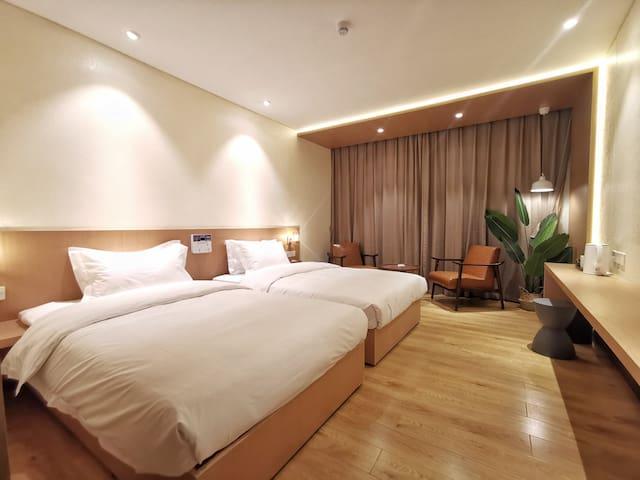 红原家园酒店和煦富氧双床房(北欧简约风)(恒温地暖和制氧设备)