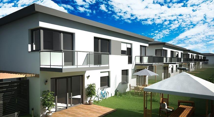 Ganzes Haus mit Garten -New House with Garden