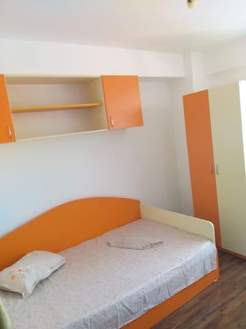 Apartament 3 camere mobilat etaj 8