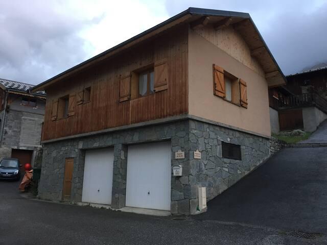 Petite maison 65 m2 dans village de montagne