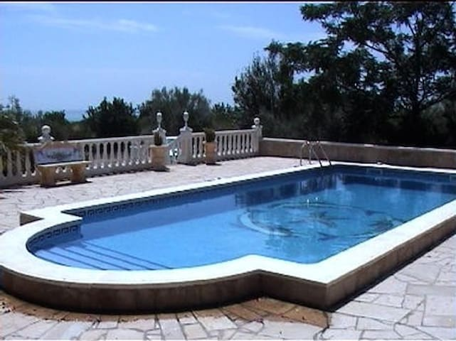 Beautiful 5 Bedroom Villa Costa Dorada with Pool - L'Ampolla - 別荘