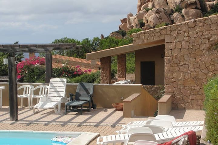Villa Sole 1: 3 rooms in a large house with pool - Costa Paradiso - Appartement