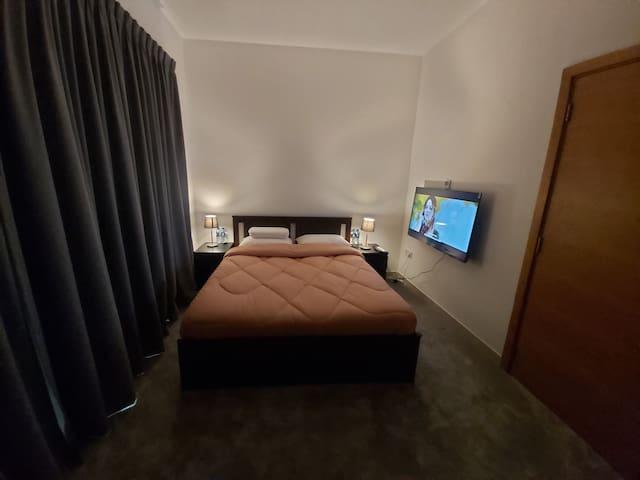 Executive Single Bedroom (Road View)