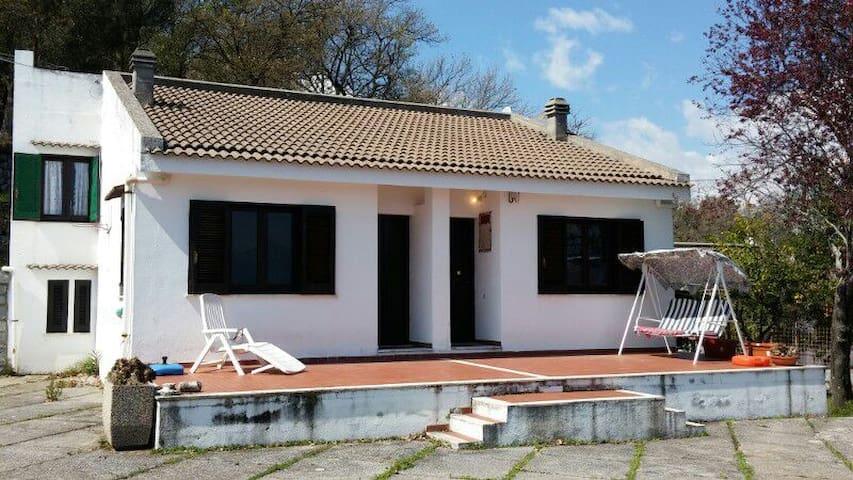La prima Villetta dell'artista - Scario - Huis