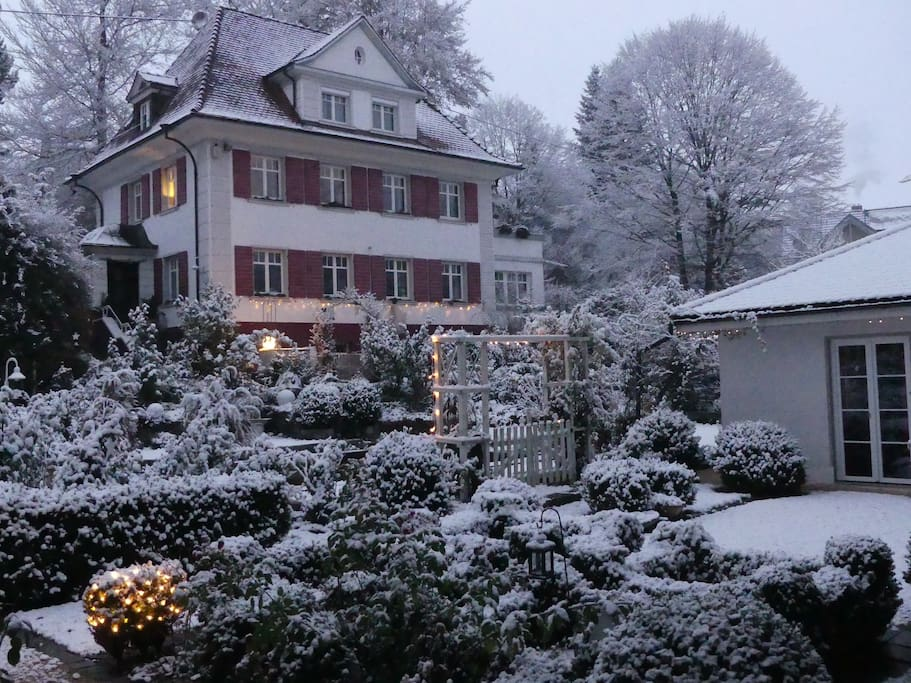 Jugendstilhaus mit Wintergarten - House with winter garden