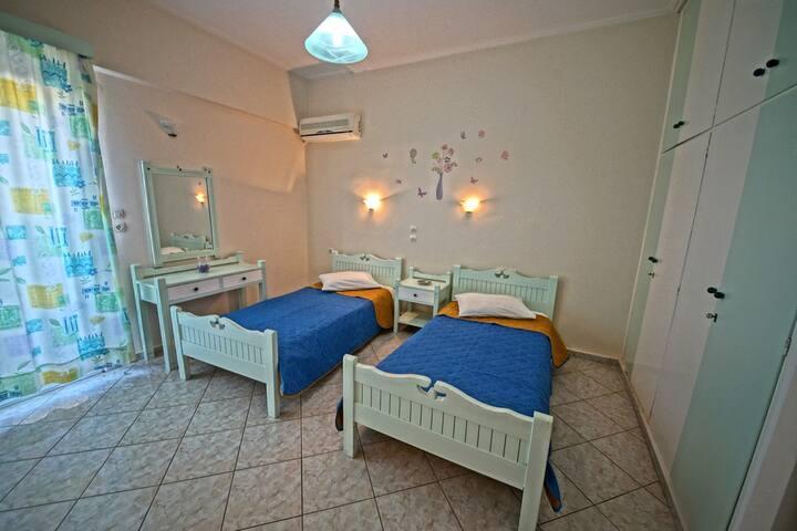 Eliza apartment hotel 304-sea view.
