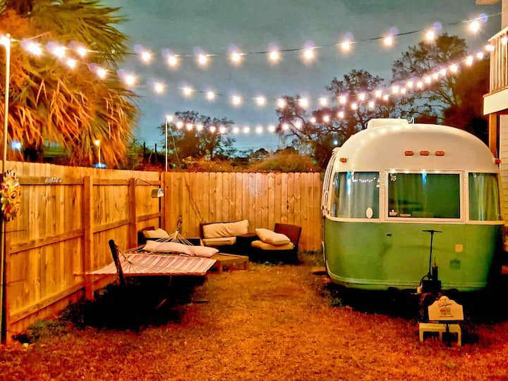 Downtown Retro Airstream -BEST LOCATION