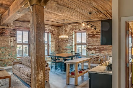 River City Loft-Novelty - Dubuque