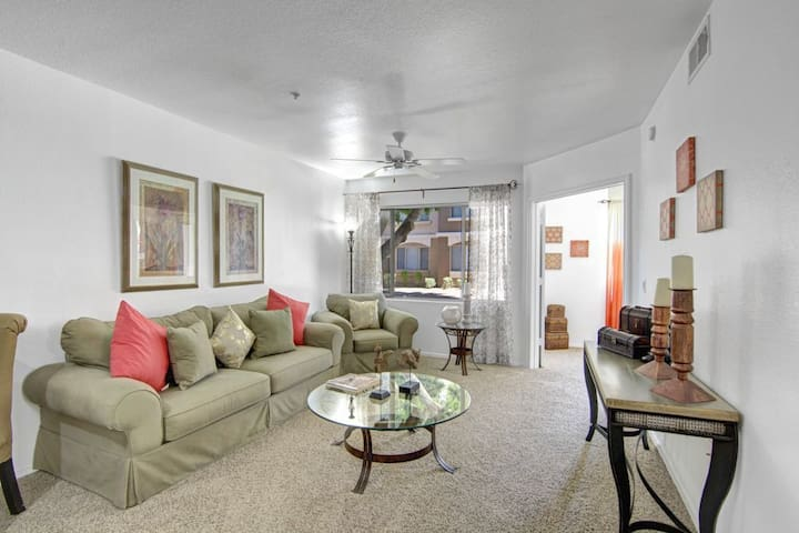 Homey place just for you | 1BR in Phoenix
