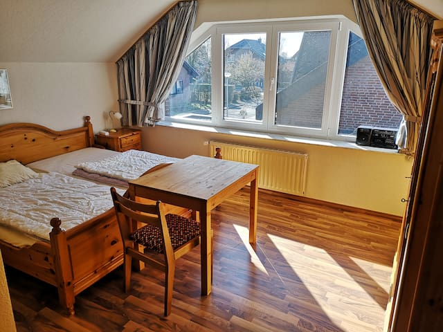 Cozy accomodation for middle-term guests (HS/GK)