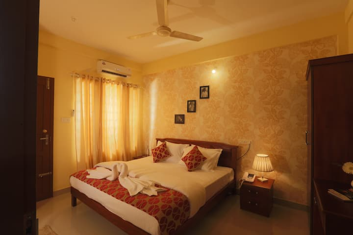 Calm 2 bedroom in ernakulam with amble parking