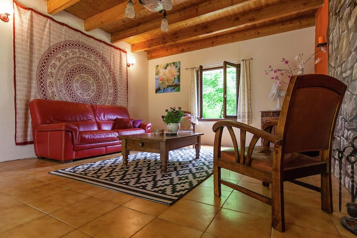 Comfortable Cottage in Champsac near Forest