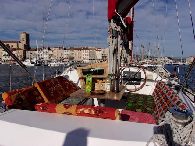 voilier à quai vieux port la ciotat  1/5 personnes - La Ciotat - Boot