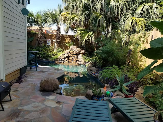 Tranquil room w/pool near French Quarter 19-22823