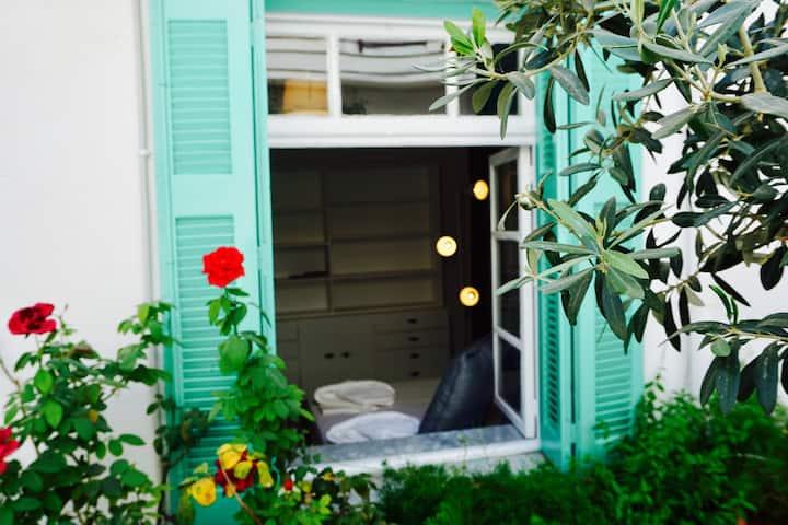 Urban Garden Apartment 3