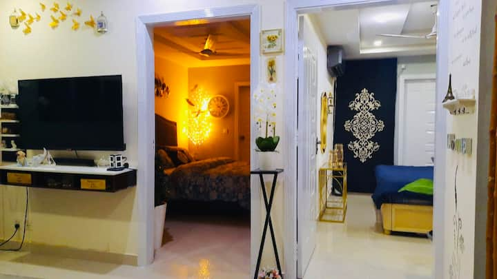 Lovely stylish 2 bedrooms furnished apartment