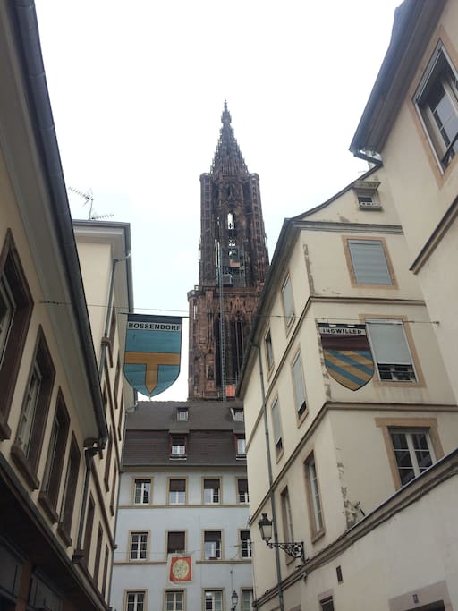 Au pied de la cathédrale, en plein coeur du centre historique de Strasbourg
