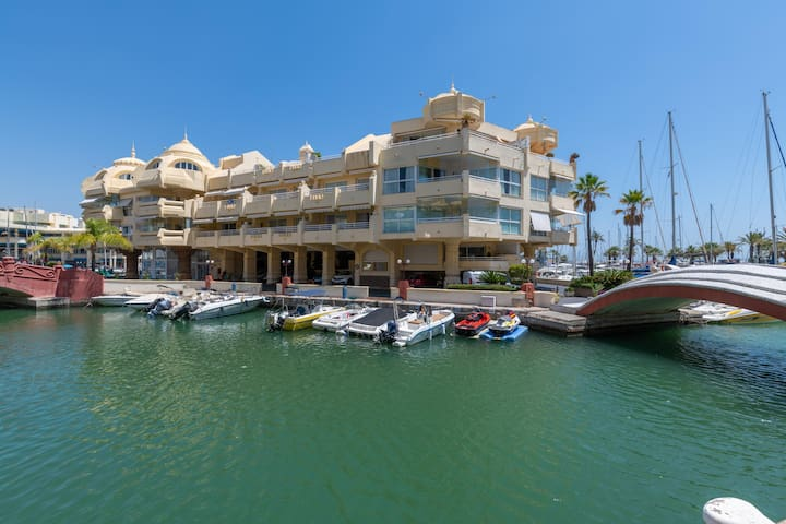First Line Beach 1BR Apartment in Benalmadena