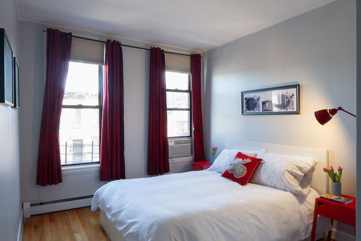 Beautiful Bright Apartment. 30 Mins to Manhattan. - Brooklyn - House