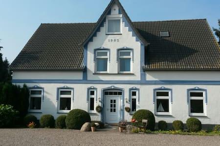 Ferienwohnung im idyll. Bauernhaus - Heringsdorf - Huoneisto