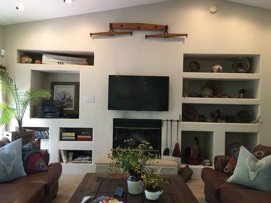 """Cozy Fireplace and 48"""" TV"""