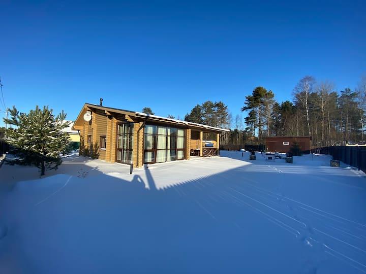Уютный дом с финской сауной и гриль-домиком