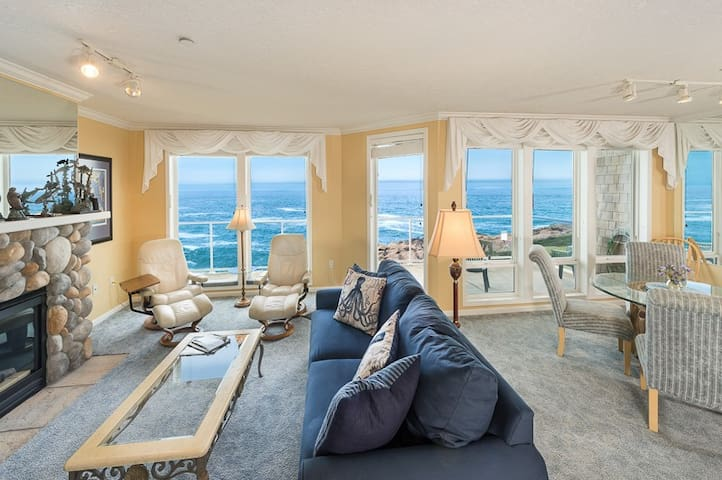 WHALE WATCH: Corner 3BR Oceanfront, Whale Watching