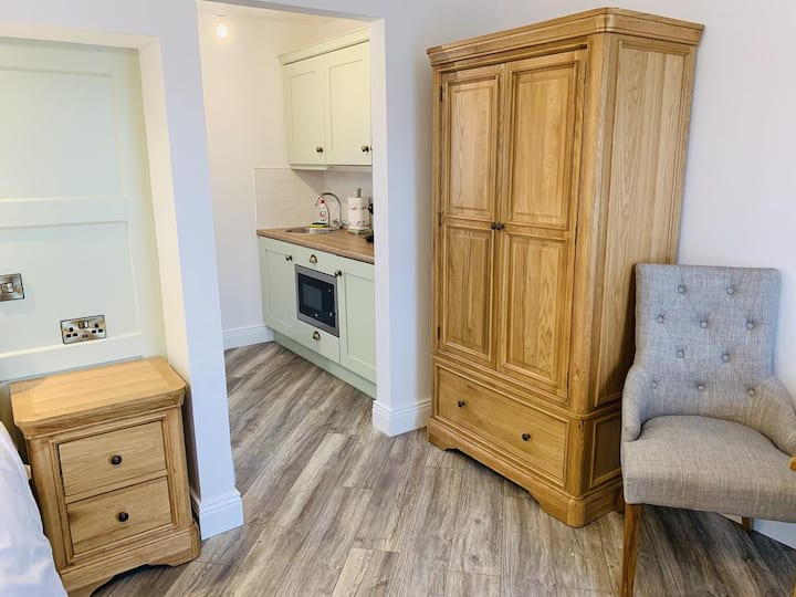 "Biddy Ban's Luxury Self-Catering King ""Aisling"""