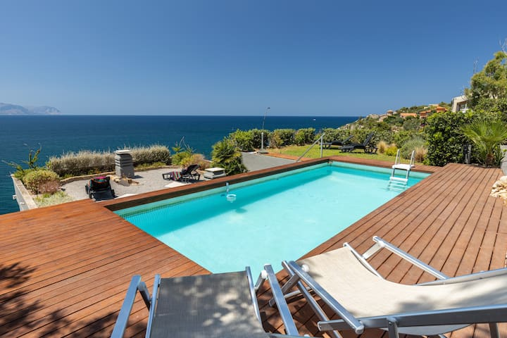 """Villa Acqua Chiara """"Vento apt "" - Villas for Rent in Bagheria, Sicily, Italy"""