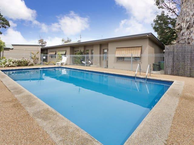 Pool Or Beach - Rosebud - Apartment